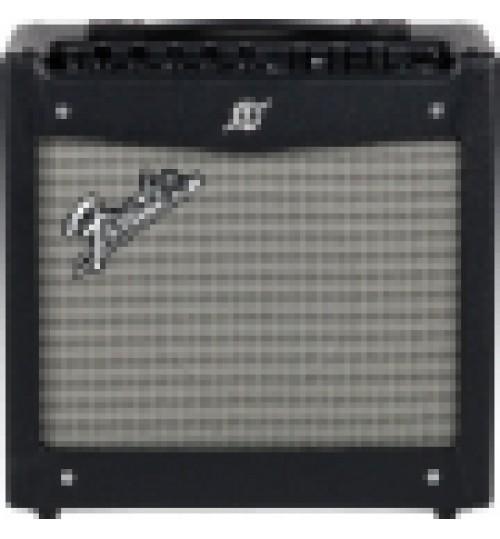 Fender Mustang I V2 Elektro Gitar Amplisi